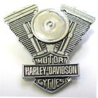 11771 HARLEY DAVIDSON PIN BADGE LARGE SILVER ENGINE MOTOR MOTORCYCLE BIKE