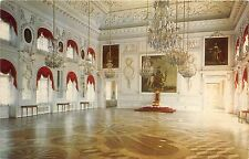 B74337 the great palace the great room throne Petrodvorets russia