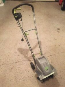 Earthwise TC70001 8.5-Amp Corded Electric Tiller/Cultivator