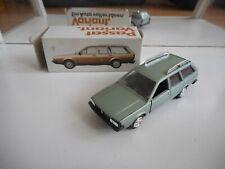 Conrad VW Volkswagen Passat Variant in Light Green on 1:43 in Box