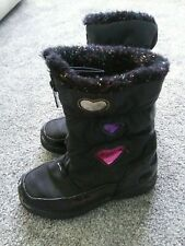 Girls size 13 Totes girls boots black with hearts