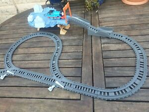 Thomas and Friends TrackMaster Close Call Cliff Train Set - Includes Train