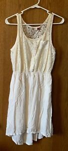 NWT SO JUNIOR WOMENS LACE BODICE DRESS SIZE SMALL, CREAM, LINED