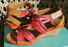 CLARKS FABULOUS RUSTY FREE  LEATHER STRAPPY WEDGE SANDALS Size 6 BNIB