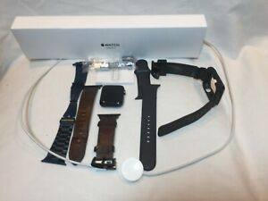 Apple Watch Series 3 GPS 42 mm Space Gray Aluminum with Accessories bundle!