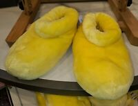 Mickey Mouse Feet Slippers Adult Size Medium Yellow Disney World Parks NEW M