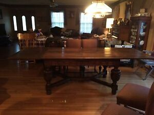 Gorgeous Antique Oak Jacobean Table and 6 chairs