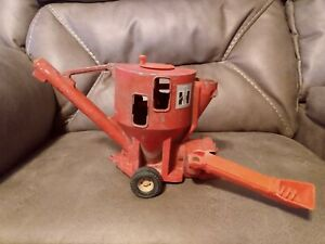 Vintage 1/16 ERTL IH International Harvester  Feed Mixer Corn Hopper Farm Toy