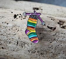 Brosche Metall Stricken Socke Bunt 3 ×1,5 cm Motiv Emaille Anstecknadel