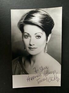 TRACY CHILDS - POPULAR ACTRESS - DR WHO / HOWARDS WAY - EXCELLENT SIGNED PHOTO