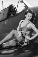 WW II  Usa  Photo --   --    Pin  Up  Girl   -