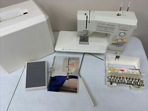 Bernina 1090 Sewing Machine - Excellent Condition!