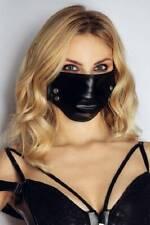 Stoffmaske mit NIETEN