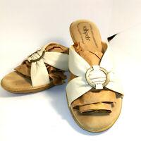 Softspots Womens Sandals Size 8.5 W Beige Slides Open Toe Leather Cushion