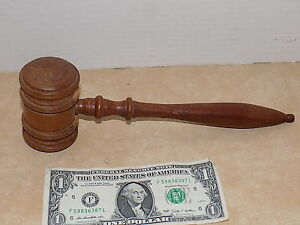 "COLLECTIBLE VINTAGE JUDGES WOODEN GAVEL 10"""