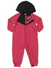 BNWT Nike Infantil's Con capucha de manga larga de Chevron Coverall Cremallera frontal Nuevo Nacido Nb