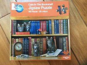 The Works 500 Jigsaw Puzzle Cats in the Bookshelf. Good used condition
