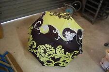 parapluie L'AURILLAC   noir/vert anis a decor de raisin  neuf