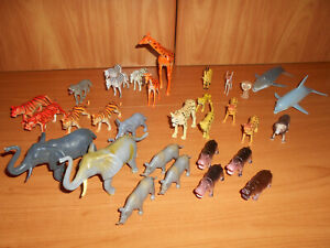LOT OF WILD ANIMALS--ZOO AND SAFARI-RHINO-ELEPHANT-LION-GIRAFFE-LION-USED-lot 21