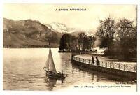 CPA 74 Haute-Savoie Lac d'Annecy Le Jardin public et la Tournette animé bateau
