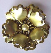 broche bijou vintage fleur imposante en relief couleur or perle *359