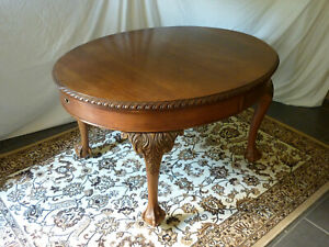Antique edwardian carved mahogany extending oval dining table claw feet