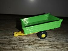 BRITAINS  2004 TRACTOR TOM -  TRACTOR TRAILER green yellow farm