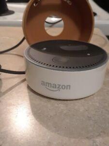 Amazon Echo Dot 2nd Generation Alexa Smart Bluetooth Speaker with case.