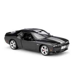 Welly 1:24 2012 Dodge Challenger SRT Diecast Model Sports Racing Car Black