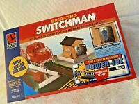 Life-Like HO OPERATING  SWITCHMAN  W/Lighted Building  Pre-Assembled No. 8203