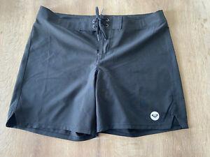 Women's ROXY Board Shorts Size Medium Beach Swim Shorts Black NWOT!