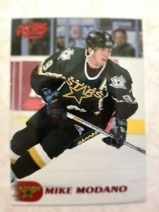 1998-99 Pacific RED Dallas Stars Mike Modano Card #161