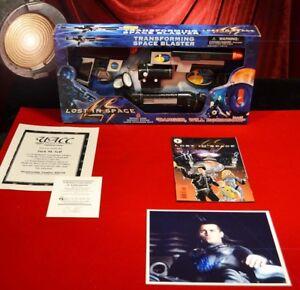 "MATT LeBLANC Signed Pix, new ""Lost In Space"" TRANSFORMING SPACE BLASTER, COMIC"