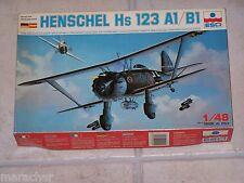 Maquette ESCI 1/48ème HENSCHEL HS-123 A1/ B1 n° 4001
