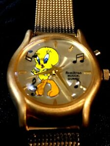 1997 Armitron Tweety Bird Looney Tunes MUSICAL Ladies WATCH Warner Bros