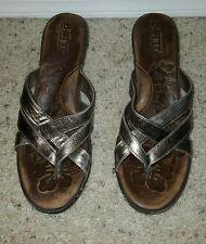 Womens Born Bronze Gold Leather Strappy Slip on Sandals Slides Sz 7