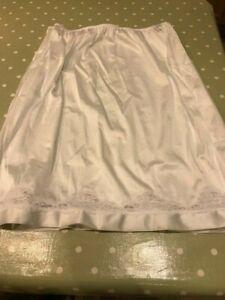 Ladies Damart Waist Slip white with Flower Lace Trim Size medium (UK 14)