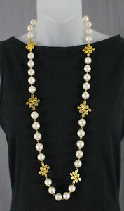 Chanel Authentic Vintage Gold Tone Metal and Pearl Necklace CC Logo 94P