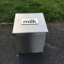 More details for made o' metal wall mount / ground protective stainless steel milk box - 1 pint