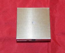 Jung LS990A Leitungsauslass mit Zugentlastung gold (27)