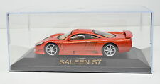 Saleen S7 Maßstab 1:43 orange von atlas in Vitrine