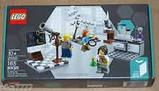 Lego Research Institute 21110 Ideas #008 paleontologist astronomer chemist