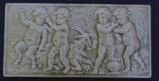 Belle plaque minton  celadon ( solon pâte sur pâte majolica putti )
