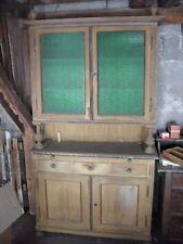 altes Küchenbuffet, alter Schrank mit ausziehbarer Ablage