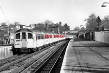 PHOTO  1982 EPPING RAILWAY STATION LONDON TRANSPORT A CENTRAL LINE TRAIN OF UNPA