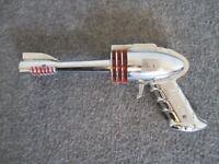 RARE 1950'S STRATO GUN TOY SPACE RAY CAP GUN FUTURISTIC PRODUCTS CO. DETROIT USA