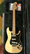 Fender Deluxe Stratocaster - Vintage Blonde with Maple Fingerboard Near Perfect