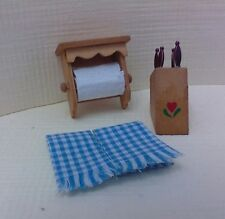 Dollhouse Miniatures Paper towel holder, knife holder & knives, 2 blue towels