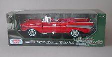 1:18 Motormax 1957 Chevrolet Bel Air Convertible - Red