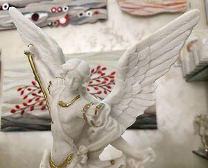 Statua di San Michele Arcangelo, in resina e polvere di marmo 30cm